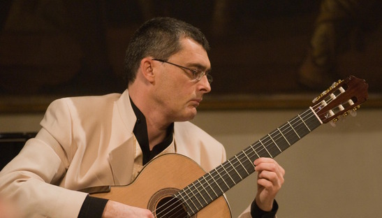 Classical guitarist Claudio Piastra: food is music too