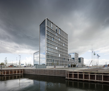 Low impact building – Offices in Aarhus by C.F. Møller