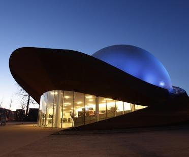 A steel 3D theatre, the Infoversum in Groningen