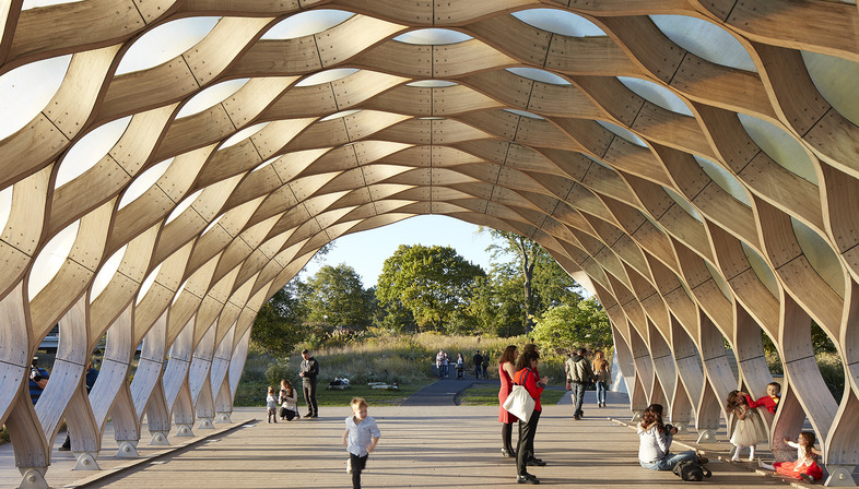 Glu-lam and fibreglass pavilion at Chicago's Lincoln Park Zoo