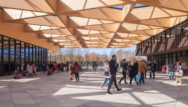 A wooden frame for the new Keukenhof Garden gatehouse - Mecanoo Architecten