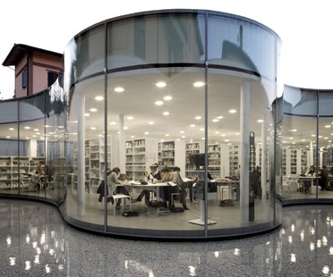 Hot curved double-glazing for Maranello Library designed by Andrea Maffei Associati