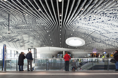 Old-fashioned glass with a modern twist in Mecanoo's railway station in Delft