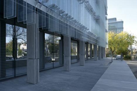 Etched glass in the Société Privée de Gérance HQ by Studio Vaccarini