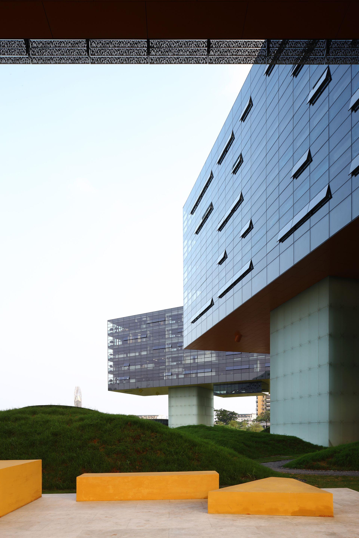 Steven Holl's horizontal skyscraper in Shenzhen, China