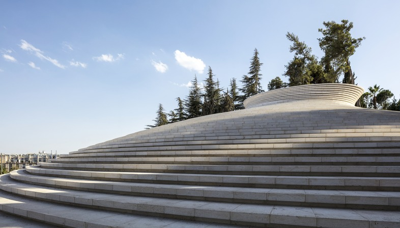 Mount Herzl Memorial Hall, an aluminium brick building by Kimmel Eshkolot Architects