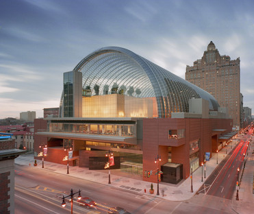 Music under a glass and steel vault at Viñoly's Kimmel Center in Philadelphia