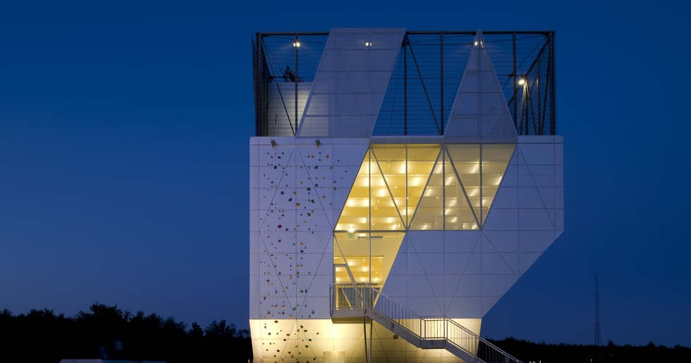 A mini-tower of sport with an aluminium façade by Dorte Mandrup