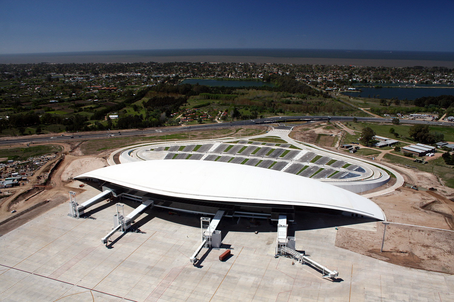 The roofing of Viñoly's Carrasco International Airport in Montevideo