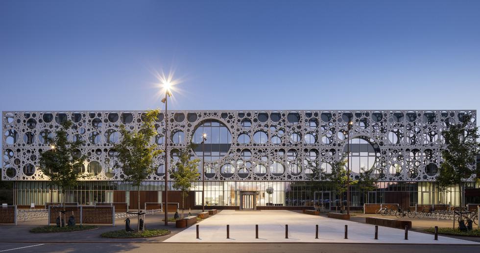 CRC für die Fassade der Technischen Fakultät SDU von C.F. Moller & MOE