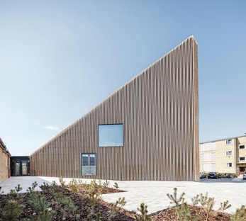 Tingbjerg library, a COBE project with a brick baguette façade