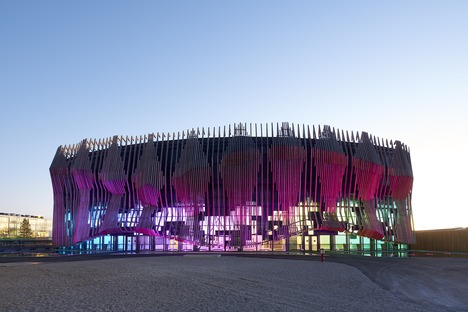 GRAFT Architekten's timber and glass Showpalast