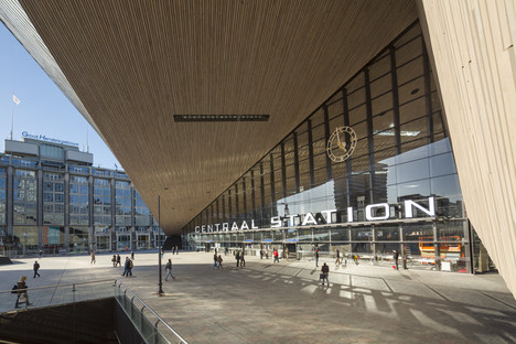 Glass, aluminium, concrete and wood in Rotterdam's Centraal Station