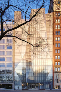 Glass and steel for the façade of the Spertus Institute by Krueck & Sexton