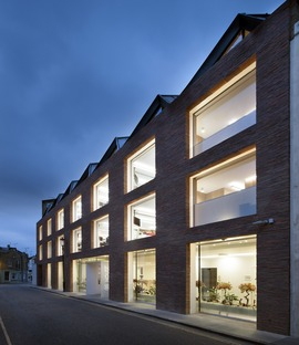 A gambrel roof for Seilern Architects' Ansdell offices