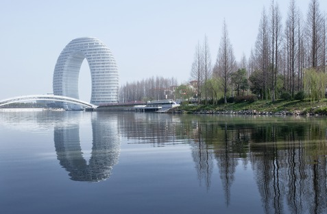 MAD's ring-shaped Sheraton Hotel made of concrete, glass and aluminium