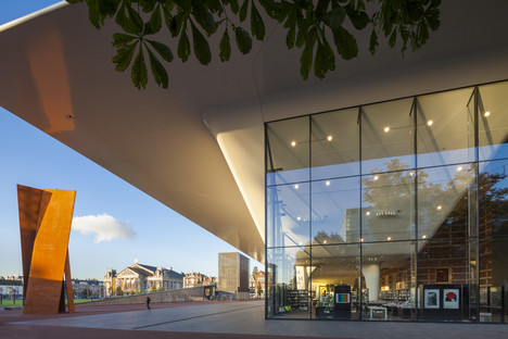 Tenax and Twaron for the Stedelijk Museum by Benthem Crouwel Architects