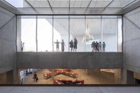 Prefabricated concrete facade for MÉCA by BIG & FREAKS