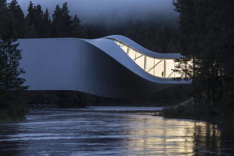 Big's Twist Museum of steel, painted wood and aluminium.