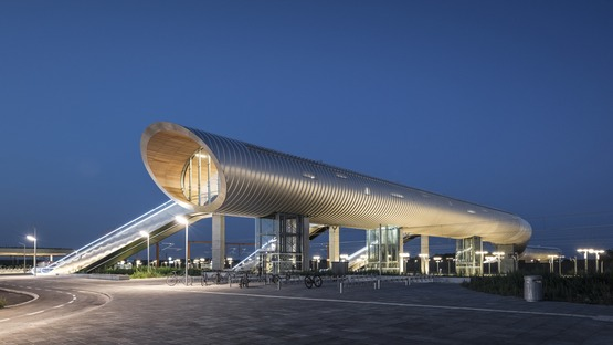 KØGE Nord Station is a steel tunnel covered with aluminium and timber