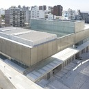 A minimalist reconstruction in concrete and steel by LAPS arquitectos