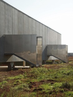 A prefabricated concrete garden centre by Studio Bressan