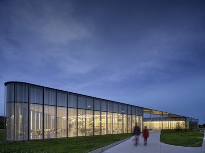 Springdale Library by RDHA incorporates photosensitive components in the glass facade