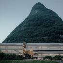 Vector architects' hotel of cast concrete and concrete blocks
