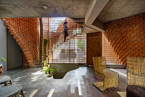 Wallmakers architects' brick Pirouette House