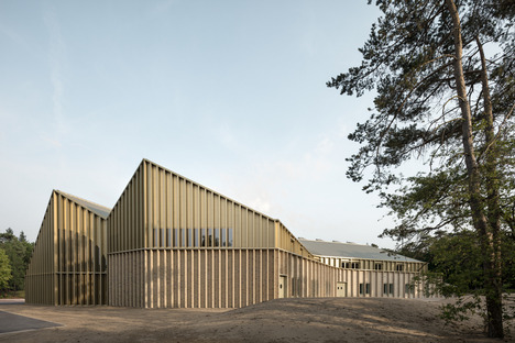 Monadnock & De Zwarte Hond's Park Pavilion of brick and timber