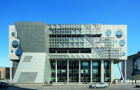 CoopHimmelb(l)au's steel, concrete and aluminium House of Music