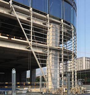 A tower in Fuzhou made of concrete, glass and marble designed by INUCE