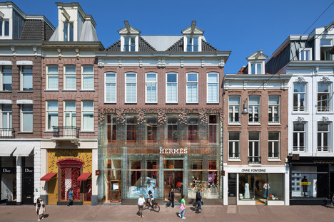 Crystal House, Amsterdam, Hermes Flagstore  © Courtesy of MVRDV